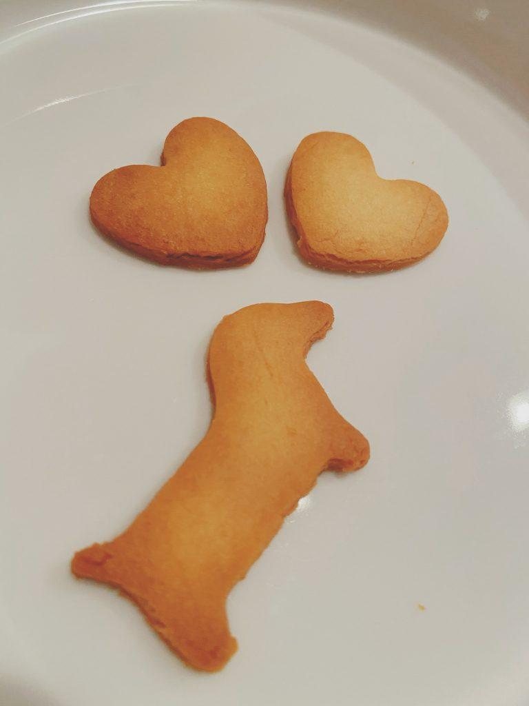 犬とハートのクッキー